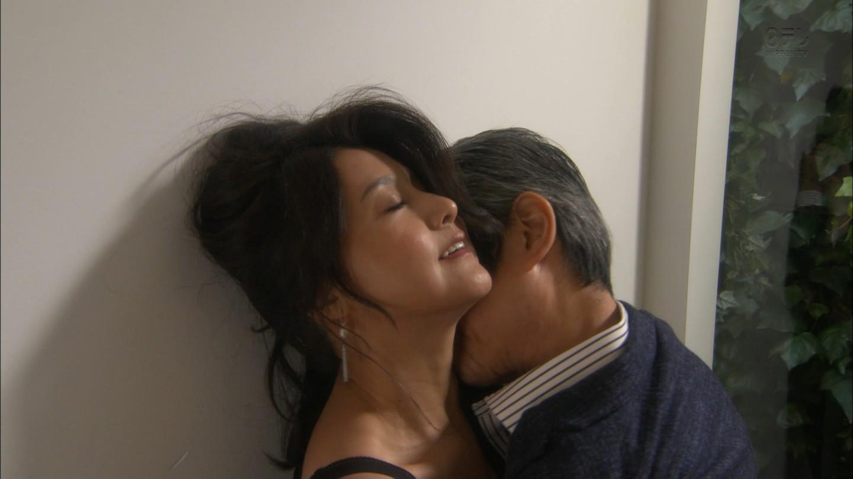 藤原紀香(46)最新セックス濡れ場やセミヌードエロ画像144枚・16枚目の画像