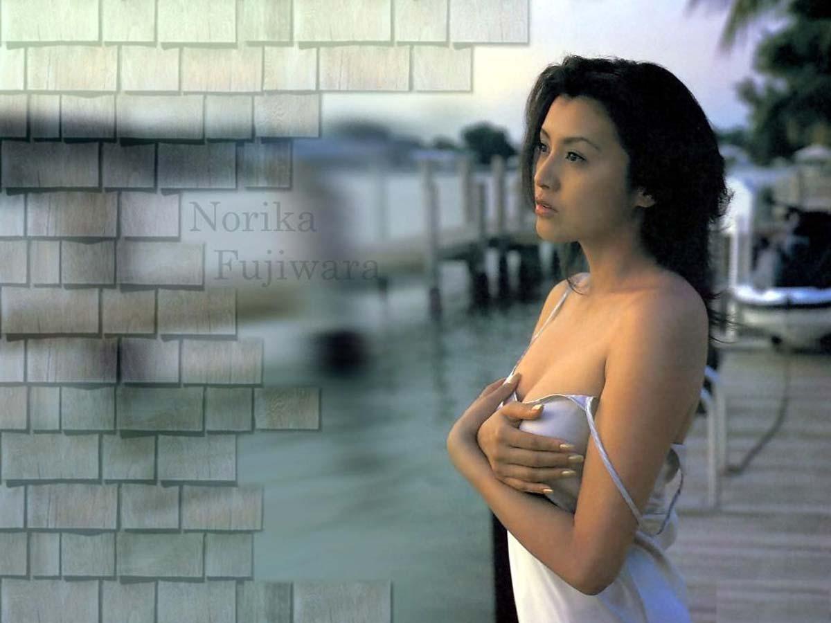 藤原紀香(46)最新セックス濡れ場やセミヌードエロ画像144枚・38枚目の画像