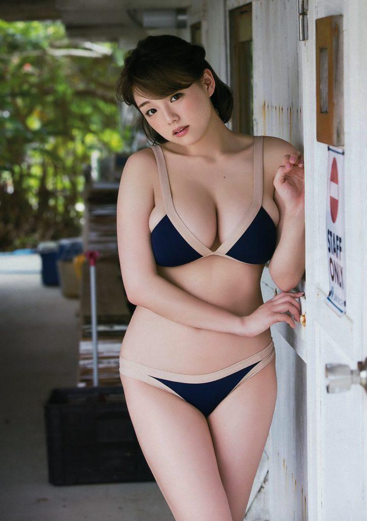 篠崎愛(25)の最新グラビア&全裸ヌードアイコラ画像85枚・6枚目の画像