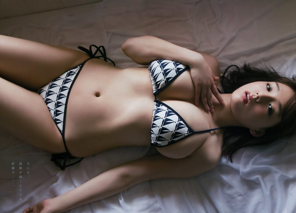 篠崎愛(25)の最新グラビア&全裸ヌードアイコラ画像85枚・7枚目の画像