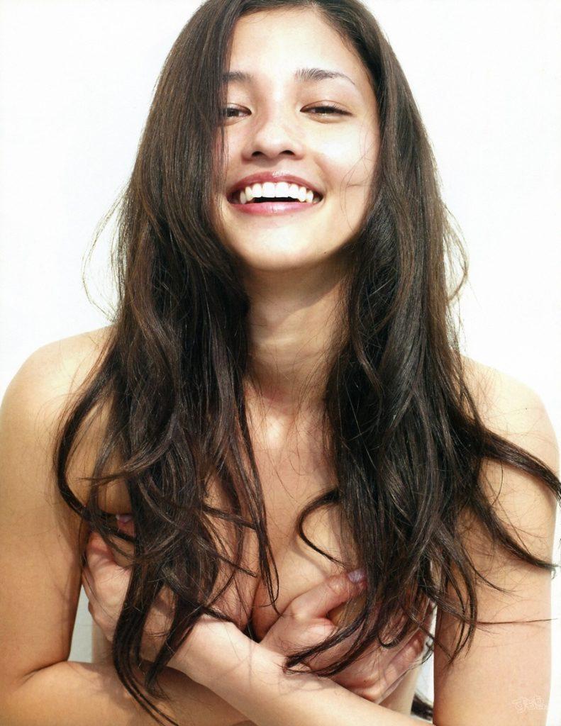 黒木メイサ(29)ヌード寸前写真集&アイコラエロ画像95枚・67枚目の画像