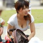 【不倫誘発】日本で不倫が多いのはこういう子連れ妻が胸チラ誘惑してくるせいじゃね?wwwwwwwwww(画像あり)