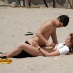 海外のビーチ、白昼堂々とセックスし過ぎだろwwwwwww(画像あり)