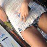【盗撮】ショーパン素人さんが生足美脚を見せびらかして街を徘徊してるけどレイプされてしまうぞwwwwwww(画像あり)