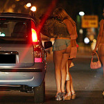 超肉食系女子だらけ…海外の売春婦街がカオス過ぎるwwwwww(画像あり)