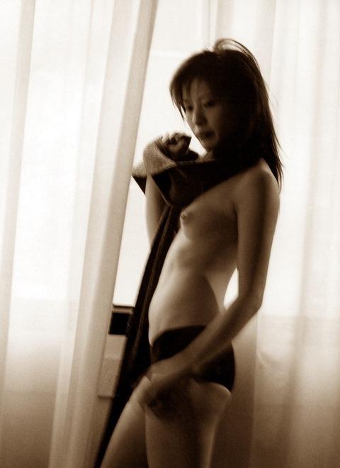 【三浦理恵子アイコラヌード】おっぱい丸見え!こんなエロくて美人なBBAならマジ抱きたいよなwwwww女優・芸能人お宝画像★・7枚目の画像