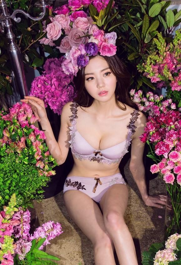 【驚愕】韓国下着モデル…これ完全にエロ本だわwwwwwwwww(画像あり)・9枚目の画像