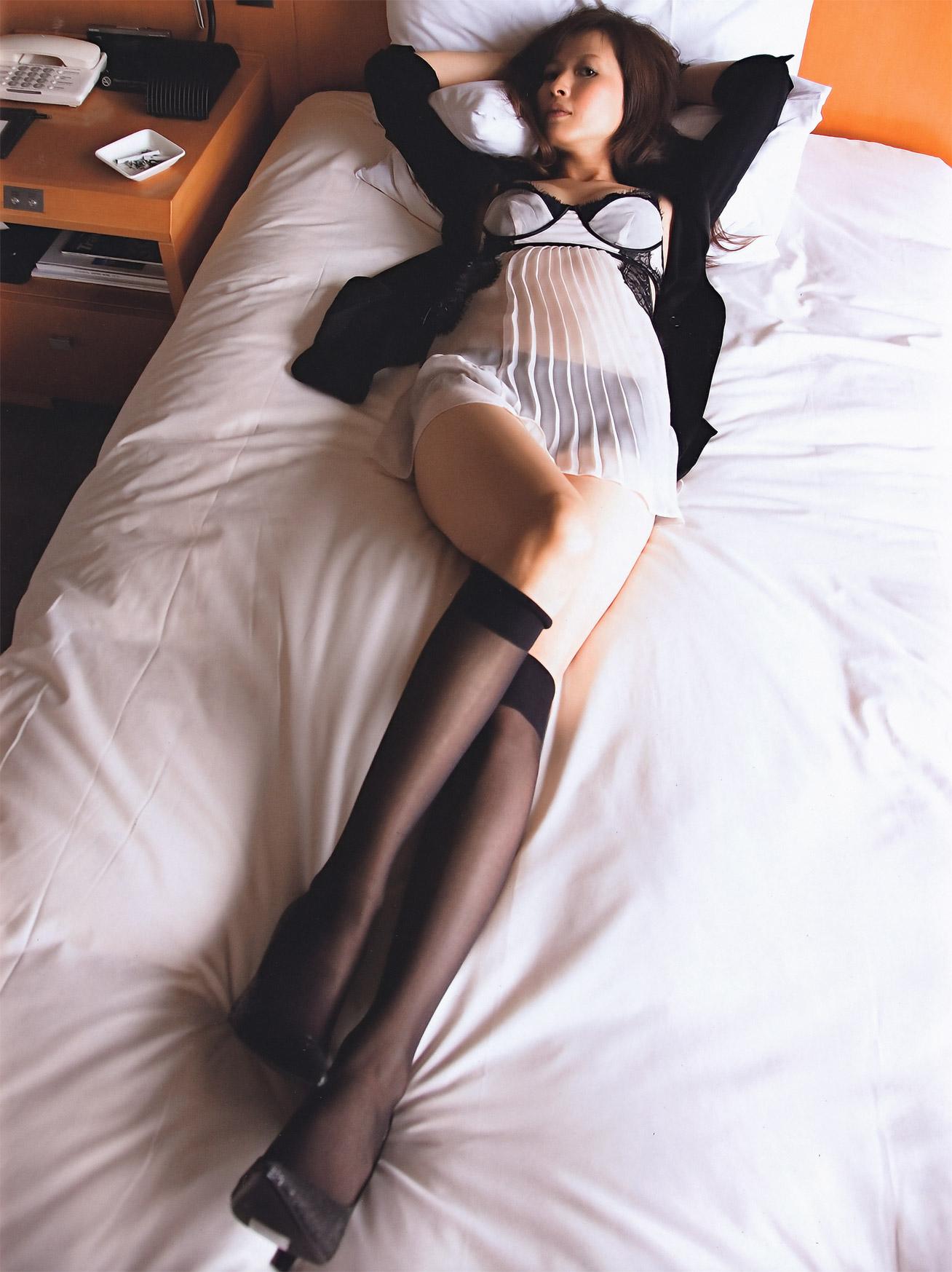 【三浦理恵子アイコラヌード】おっぱい丸見え!こんなエロくて美人なBBAならマジ抱きたいよなwwwww女優・芸能人お宝画像★・13枚目の画像