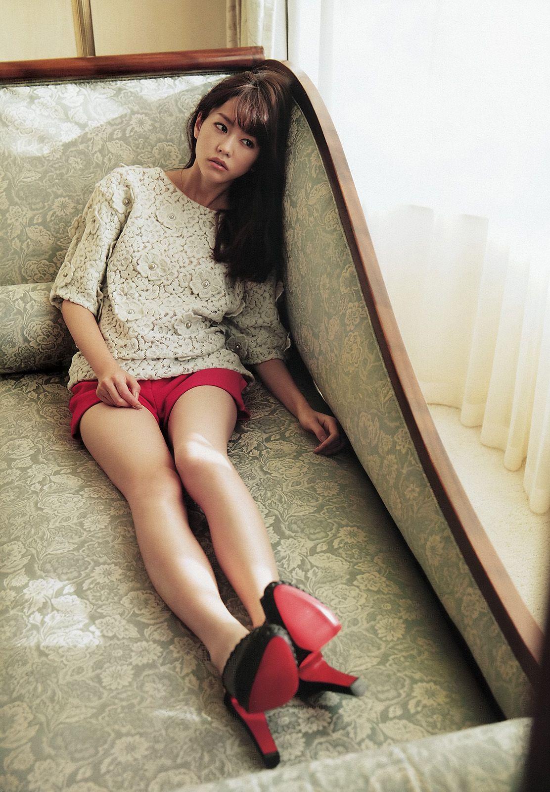 【桐谷美玲ヌード】全裸だよね?細身好きにはたまんないスレンダーボディーの桐谷美玲のグラビア&芸能人お宝画像★・36枚目の画像