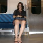 毎朝電車パンチラ拝むために寝坊せずに頑張ってる男が意外と多い件wwwwww(素人パンチラ盗撮画像あり)