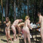 【全裸露出】海外ではヌーディストキャンプ場がブームらしいwwwwwww(画像あり)
