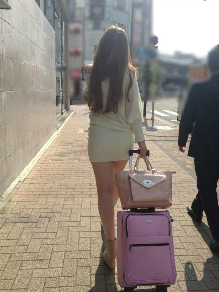 タイトミニスカ履いた素人娘の盗撮エロ画像25枚・11枚目の画像