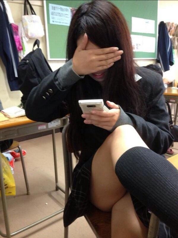 【インスタ】悪ふざけJKがエロすぎて今学生なら確実に教室でシコってると思うんだがwwwww(画像あり)・20枚目の画像
