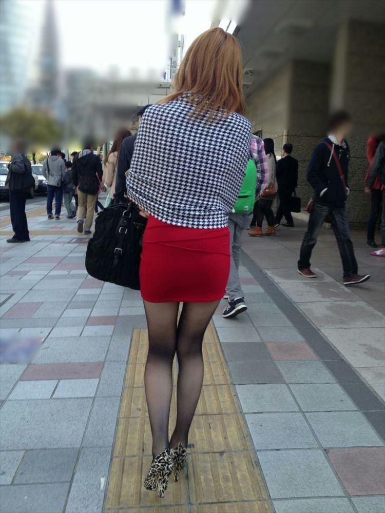 タイトミニスカ履いた素人娘の盗撮エロ画像25枚・29枚目の画像