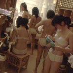 【※削除注意】銭湯の女湯脱衣所に仕掛けられた盗撮カメラの映像がかなりヤバイ・・・・・・(画像あり)