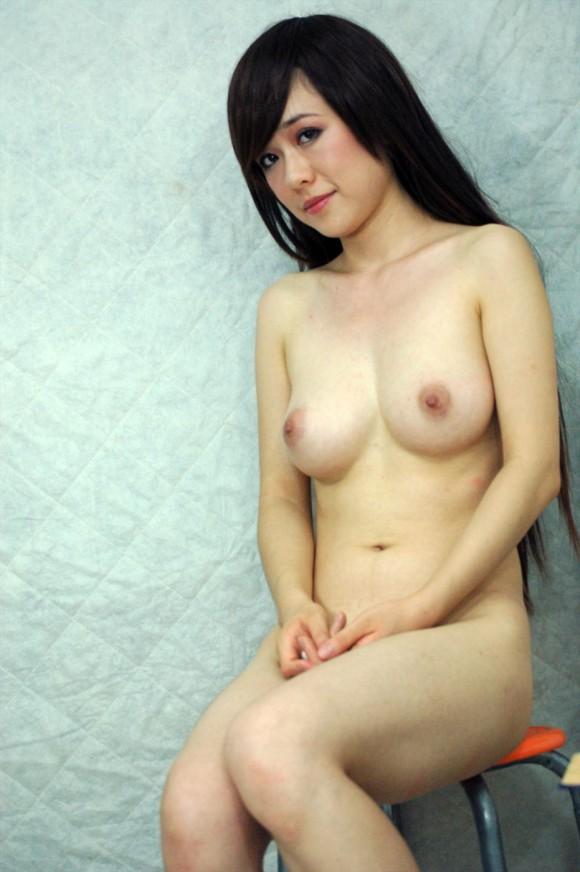 中国人ヌードモデルの不自然な偽乳エロ画像32枚・3枚目の画像