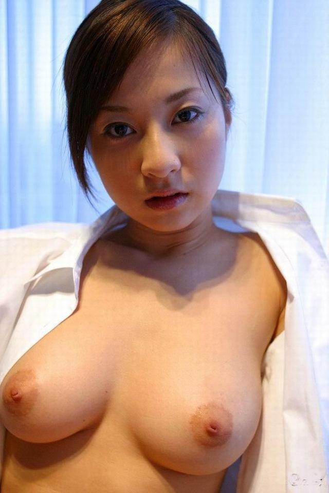 巨乳熟女の母性感じるヌードエロ画像28枚・12枚目の画像