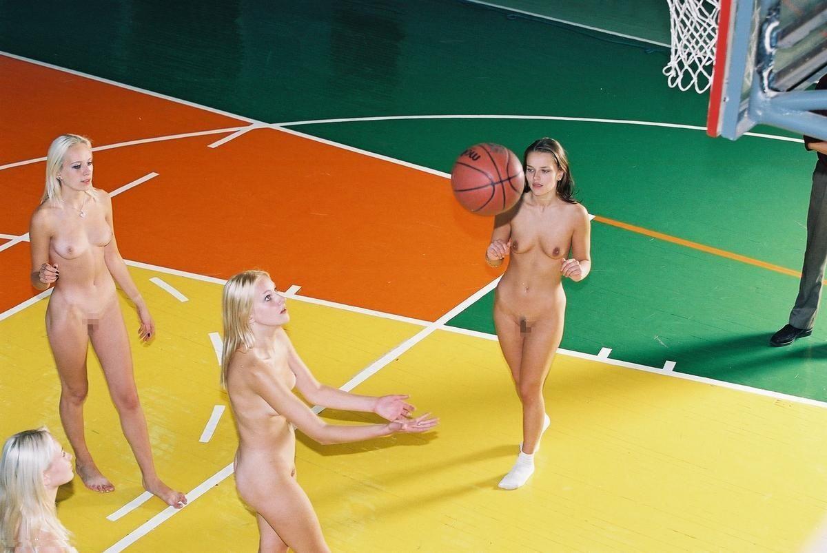 全裸ヌードでスポーツを楽しむ外国人の異文化エロ画像22枚・14枚目の画像