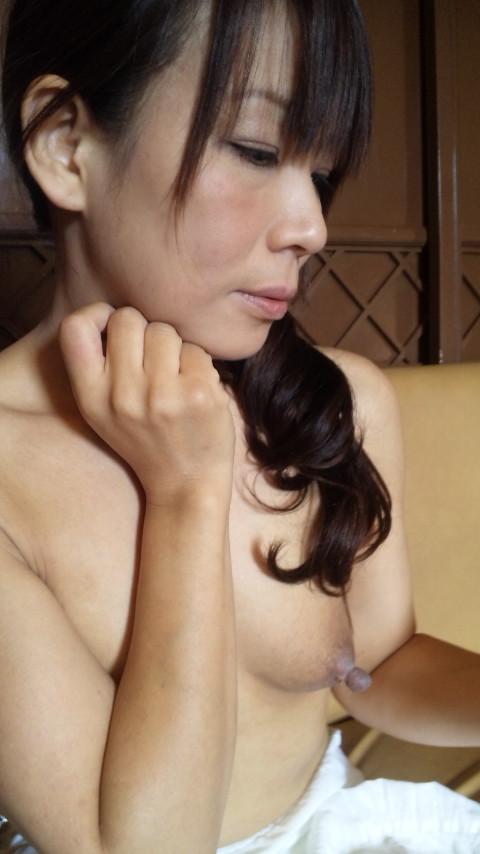 巨乳熟女の母性感じるヌードエロ画像28枚・16枚目の画像