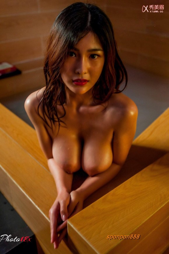 中国人ヌードモデルの不自然な偽乳エロ画像32枚・21枚目の画像