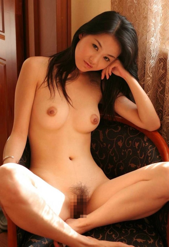 中国人ヌードモデルの不自然な偽乳エロ画像32枚・25枚目の画像
