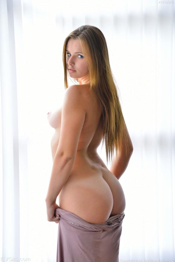 デカ尻が規格外で抜ける外人女性エロ画像33枚・32枚目の画像