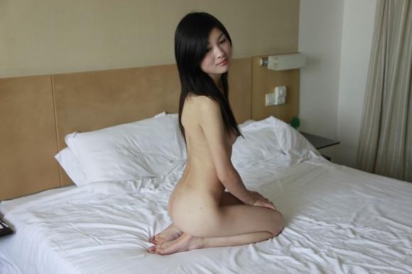 中国人ヌードモデルの不自然な偽乳エロ画像32枚・27枚目の画像