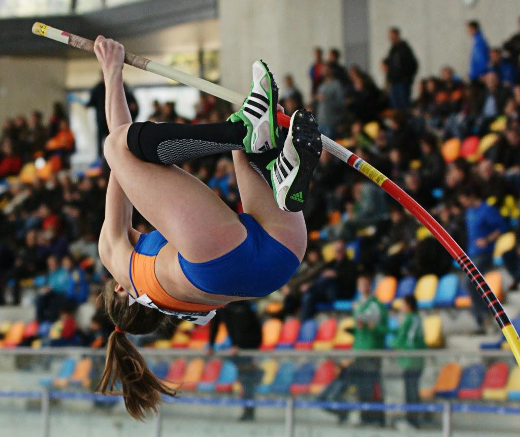 棒高跳びがマンチラ・股間アップ不可避でドえろいスポーツだということが判明wwwwwwwwww(写真あり)