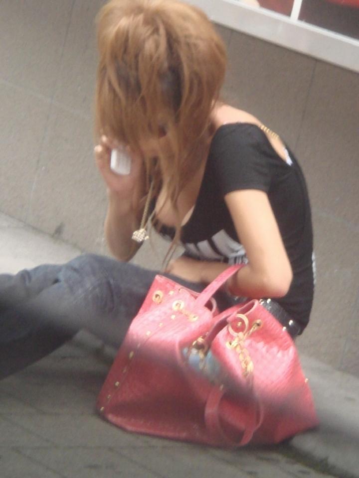 【エロ画像】(着衣美巨乳えろ画像)街中で遭遇したら前屈み不可避wwwwwwwww美巨乳の癖になんちゅー服着てんだよwwwwwwwww