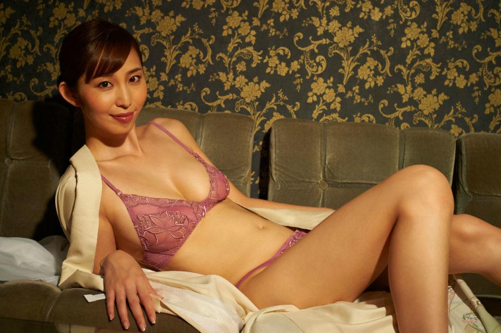塩地美澄アナ(35)のヌード寸前!大胆グラビアエロ画像120枚・10枚目の画像