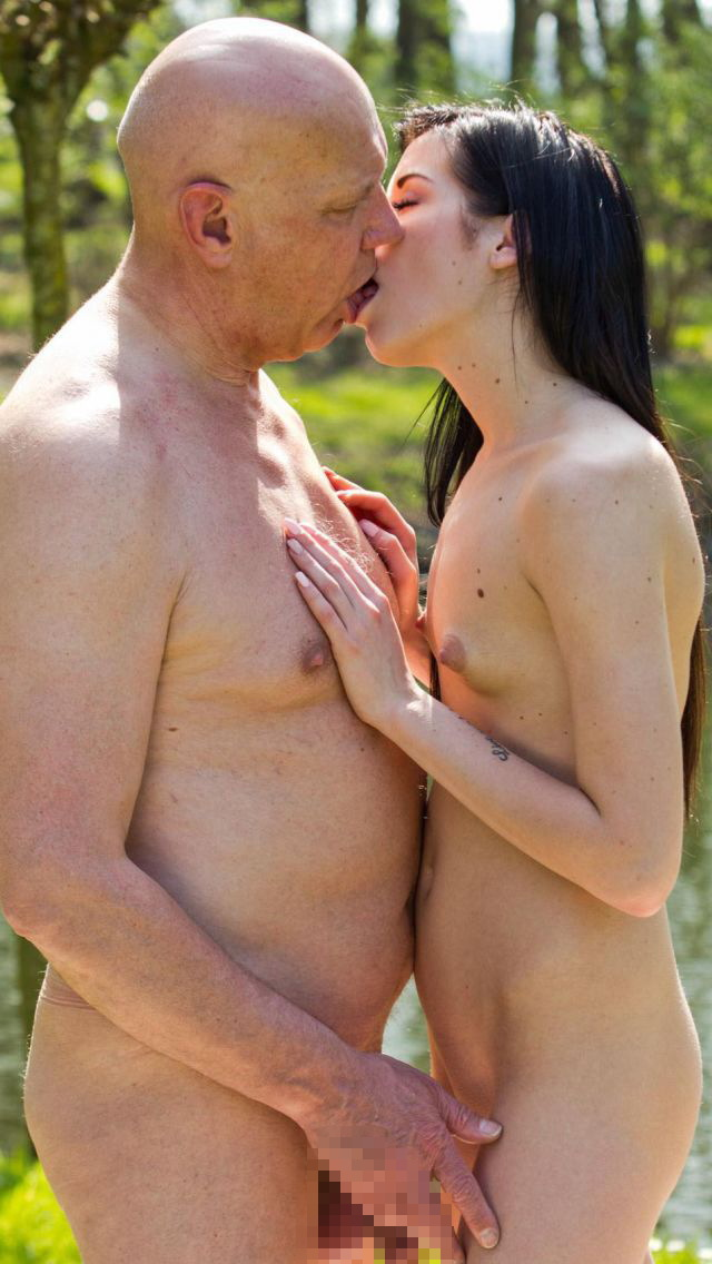 「歳の差セックス」する外国人のエロ画像27枚・11枚目の画像