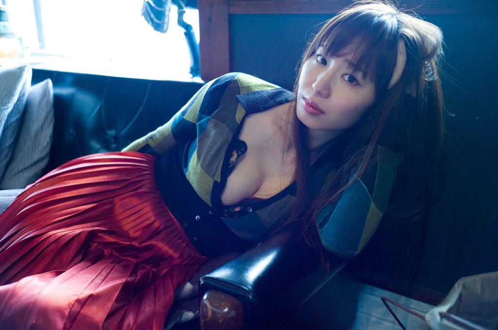塩地美澄アナ(35)のヌード寸前!大胆グラビアエロ画像120枚・31枚目の画像