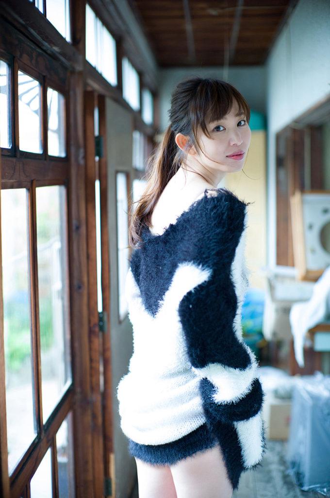 塩地美澄アナ(35)のヌード寸前!大胆グラビアエロ画像120枚・41枚目の画像