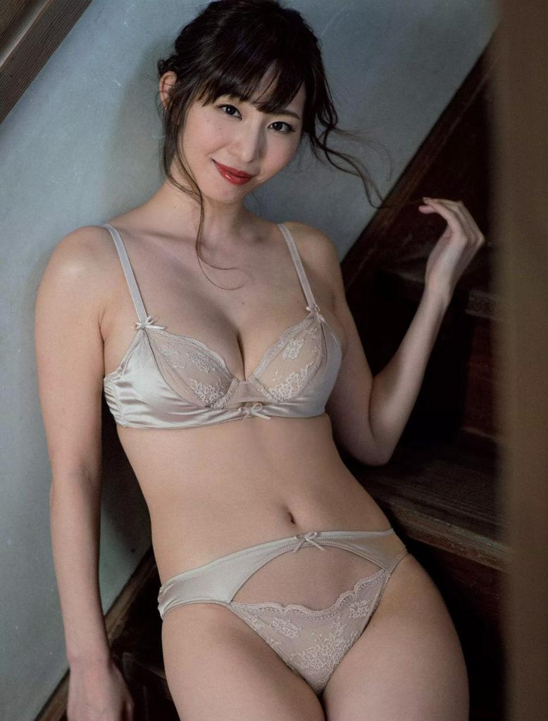 塩地美澄アナ(35)のヌード寸前!大胆グラビアエロ画像120枚・69枚目の画像