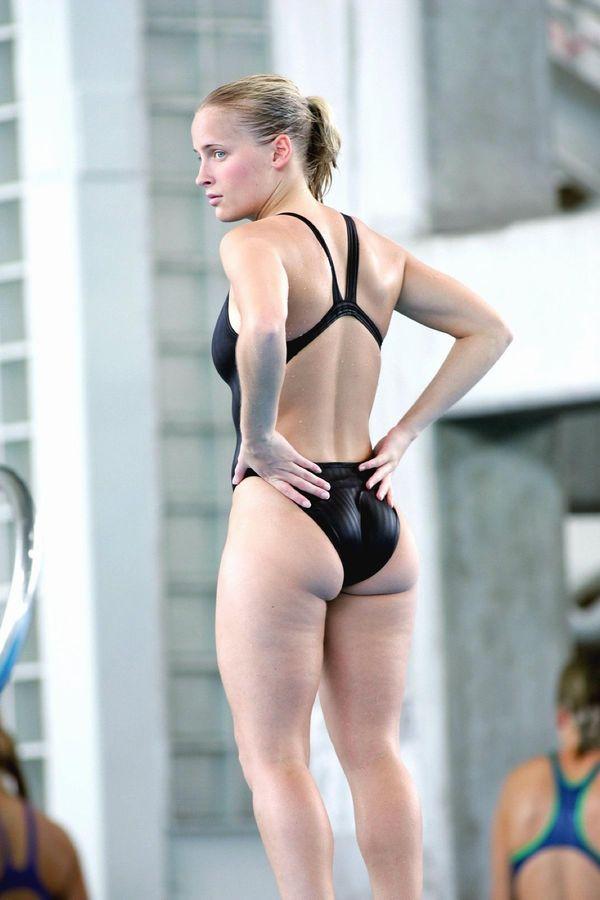 白人モデルが競泳ミズ着で色々隠しきれてなさすぎてくっそえろいwwwwwwwwwwww(写真あり)