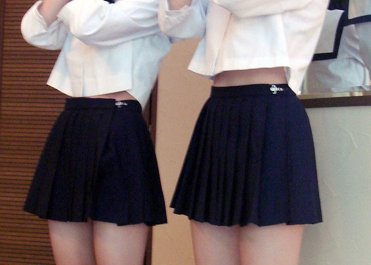 【エロ画像】腹チラしてるセイフク今時女子校生がヌけるえろ画像22枚