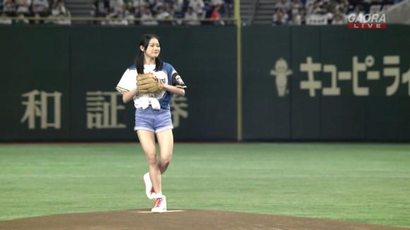 エヌジーT長谷川玲奈(15)の始球式がツインテ・ショーパン姿でえろい☆本格投球フォームで大谷絶賛☆稲村亜美をも脅かすwwwwww(写真あり)