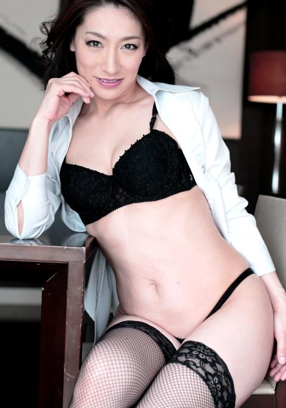 現役娼婦の40代熟女BBAの色気が凄まじいエロ画像33枚・3枚目の画像