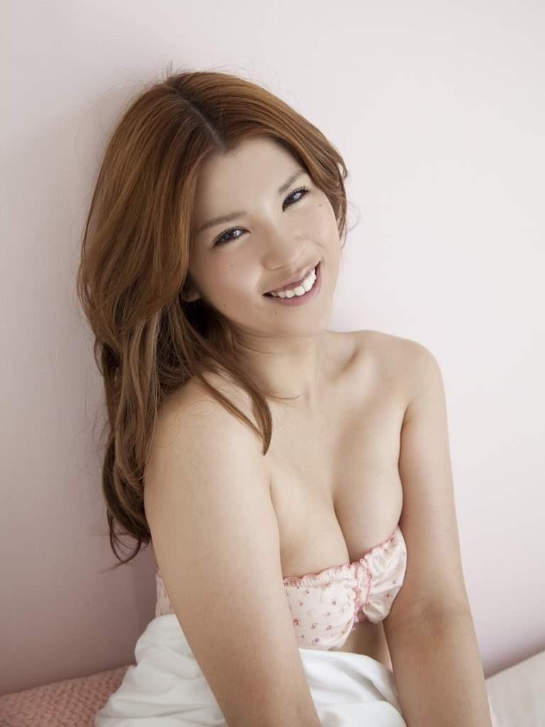 【動画あり】坂口杏里「ANRI」としてAV女優デビュー間近なので水着グラビアで抜こうぜwwwwwwww・11枚目の画像