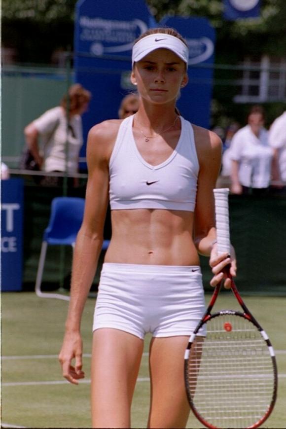 【有名人,素人画像】乳首ポッチ&マンスジはサービス?女子テニス選手がえろすぎて会場に足を運ばざるを得ない件wwwwwwwwwwwwwww(画像あり)