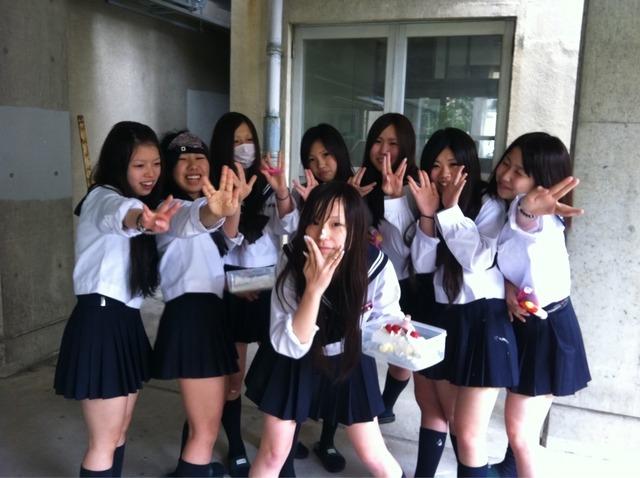 【有名人,素人画像】制服限定のセイフク今時女子校生のヌけるえろ画像30枚