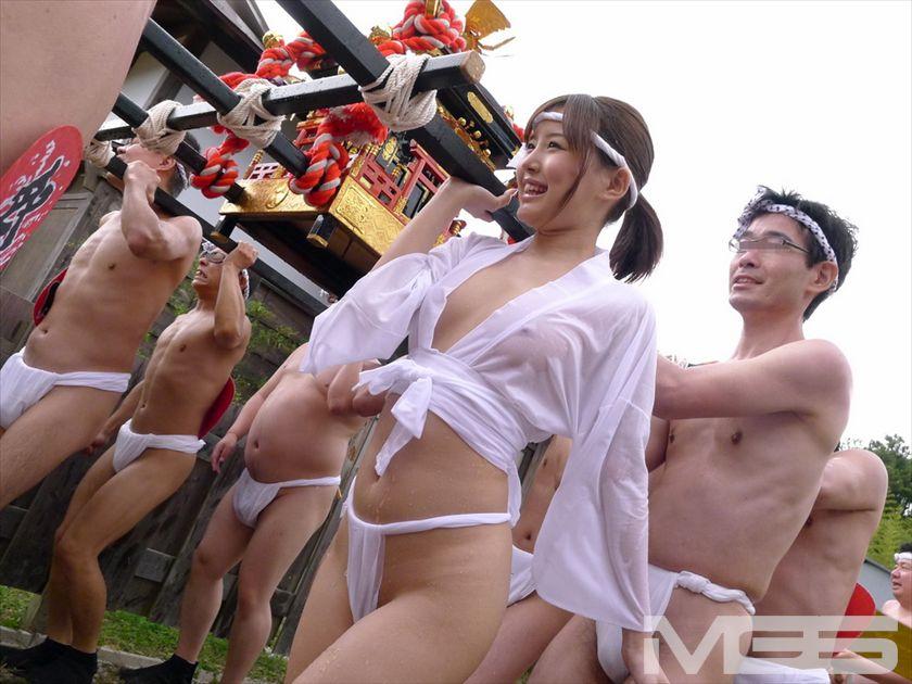 ふんどしヌードの日本人女性のエロ画像26枚・10枚目の画像