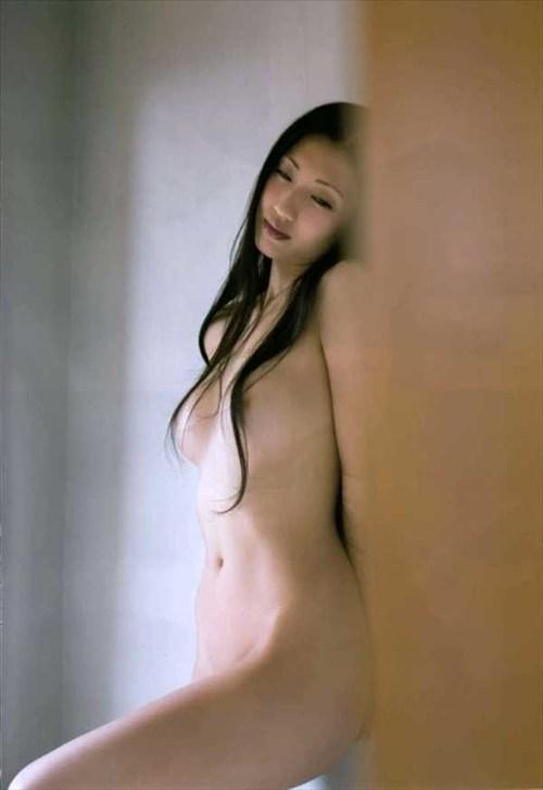 壇蜜ヌードエロ画像!最近は橋本マナミにキャラ奪われた感があるけど相変わらずエロいンゴwwwww・9枚目の画像