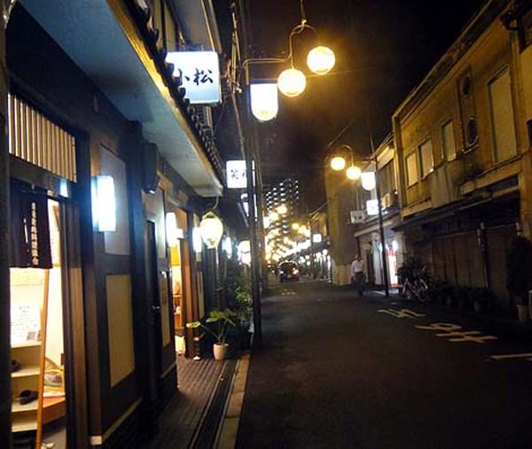 飛田新地とかいう日本最大級の売春街がカオスwwwwwww整形美女多数だぞwwwwwwwww(画像あり)・11枚目の画像
