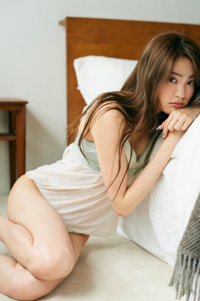 夢アド・志田友美(20)の最新水着グラビアが抜けるエロ画像82枚・18枚目の画像