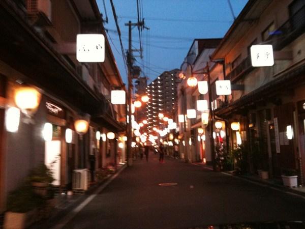 飛田新地とかいう日本最大級の売春街がカオスwwwwwww整形美女多数だぞwwwwwwwww(画像あり)・27枚目の画像