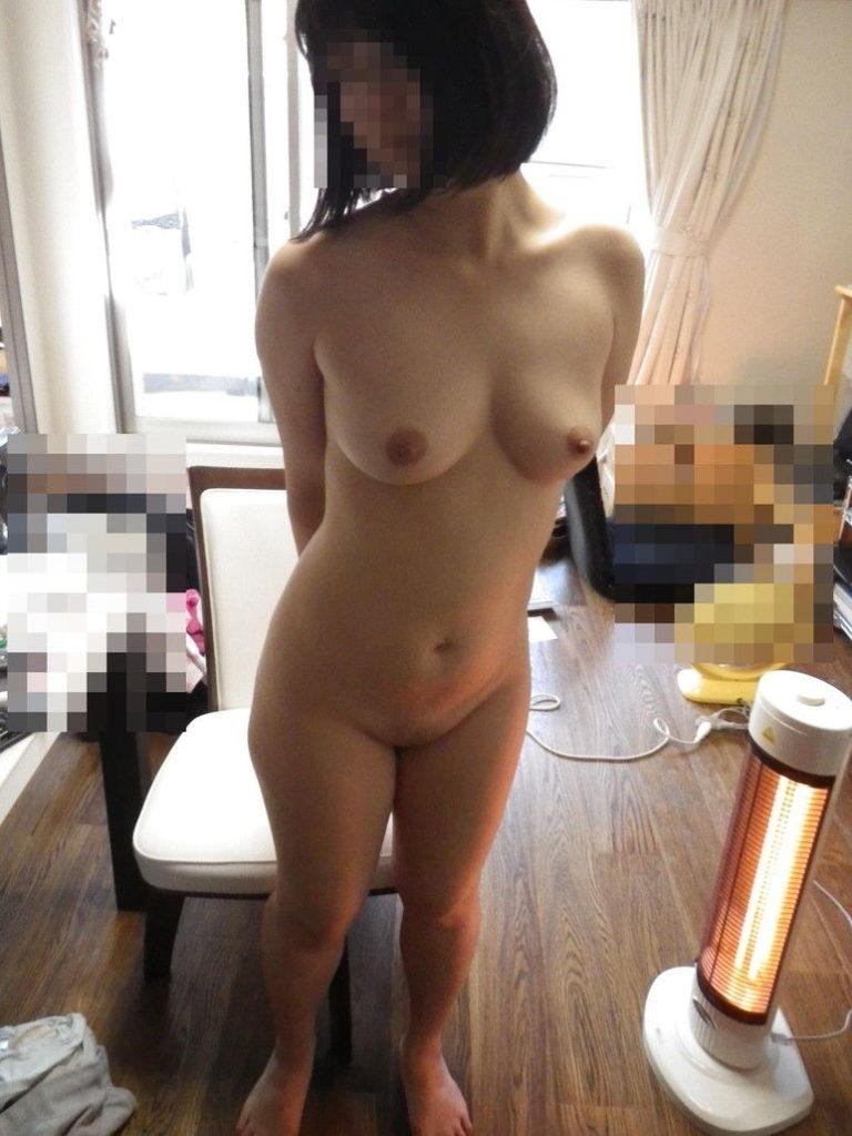 ひとり暮らしの女子大学生宅でのリベンジポルノえろ写真が生々しくてえろい☆wwwwwwwwwwww