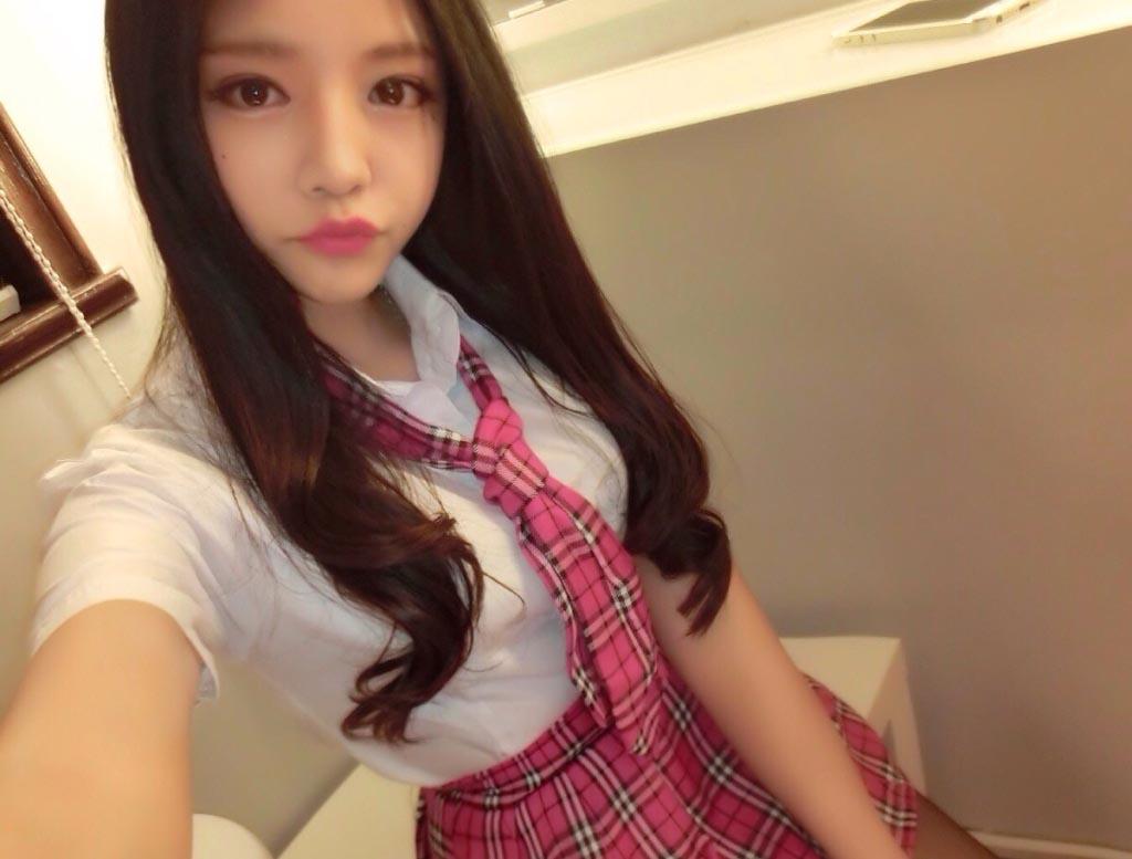 【エロ画像】韓国モデルの今時女子校生セイフク姿がぐうシコなえろ画像33枚
