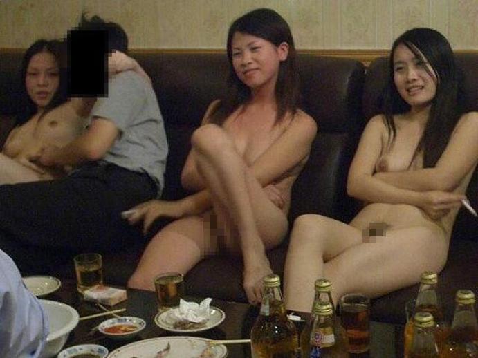 【エロ画像】中国のKTV「カラオケクラブ」お持ち帰りHH本番・大大乱交ありのフウゾクえろ画像