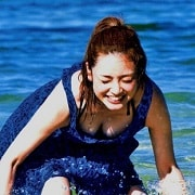 アモーレこと平愛梨のDカップ胸チラがエロすぎる写真集グラビアエロ画像wwwww・1枚目の画像
